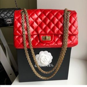 Chanel single flap red patent leather medium